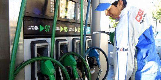 Caen precios de las bencinas por quinta semana seguida